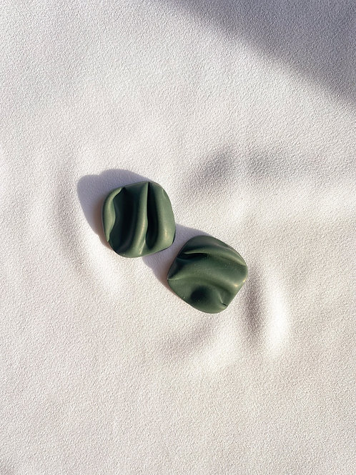 Large Wave studs - Forest