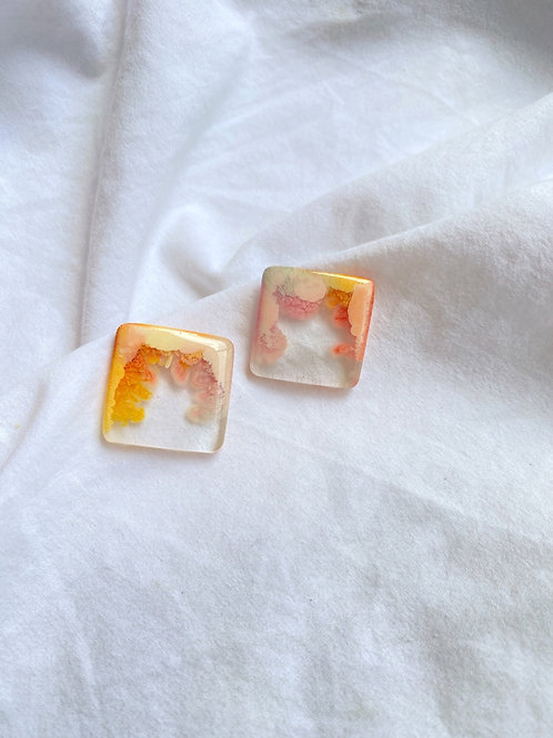 Small square resin stud