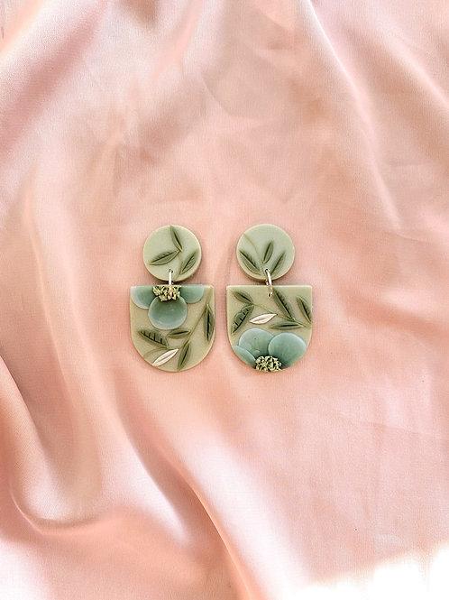 Jadeite Blooms - Mini Frida