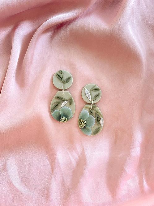Jadeite Blooms - Dolce