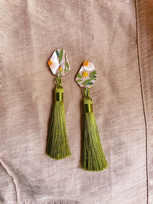 Made-to-order: Sunshine Blooms - Green tassels