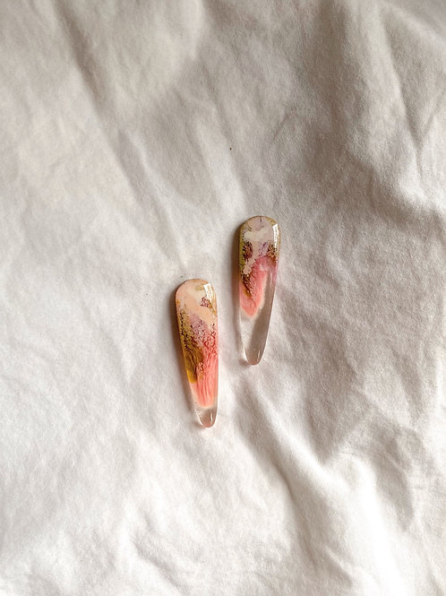 Spears resin stud - Olive Pink