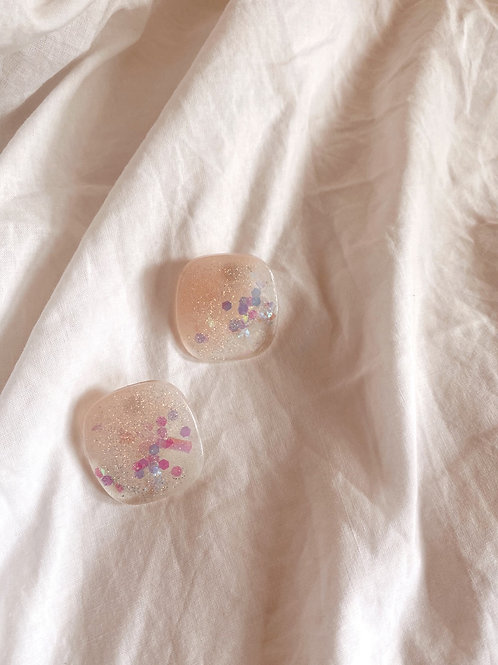 Large Cquare resin stud - Cloud pink