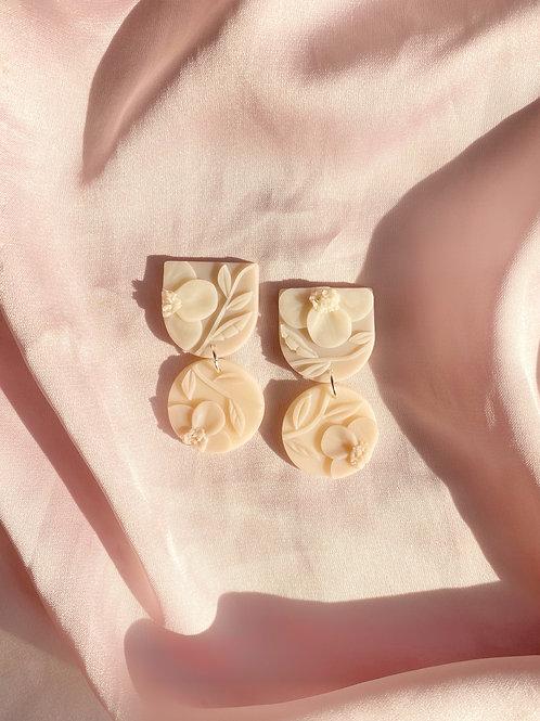 Ivory Poppies - Mini Maya