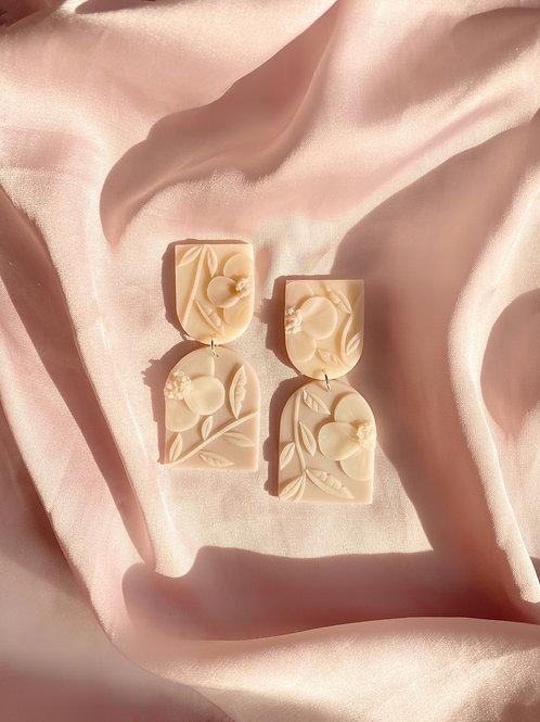 Ivory Poppies - Allegro