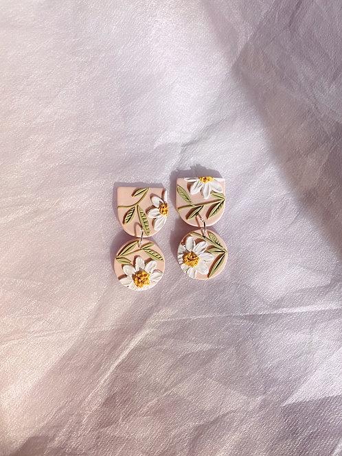 Daisies on Pink - Mini Maya