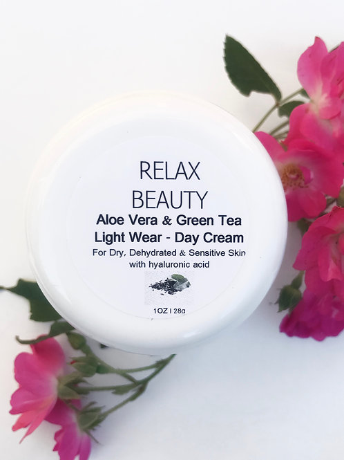 Aloe Vera & Green Tea Light Wear Day Cream
