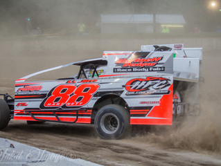 HARTNETT AND ROCHINSKI SPLIT MODIFIED VICTORIES ON BIKE NIGHT!