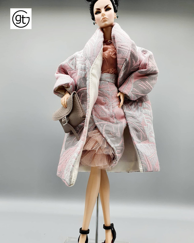 Doll fashion ensemble in pastel dusky pink - check those exclusive tailored dressmaker details