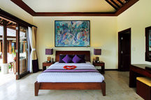 Purple Orchid Room.jpg
