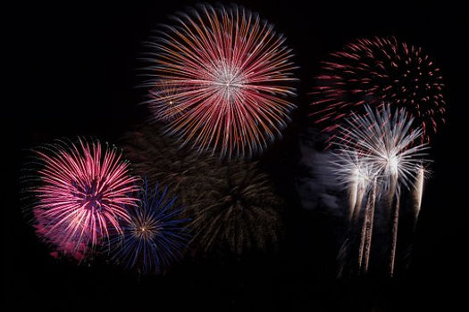 fireworks-879461__340.jpg