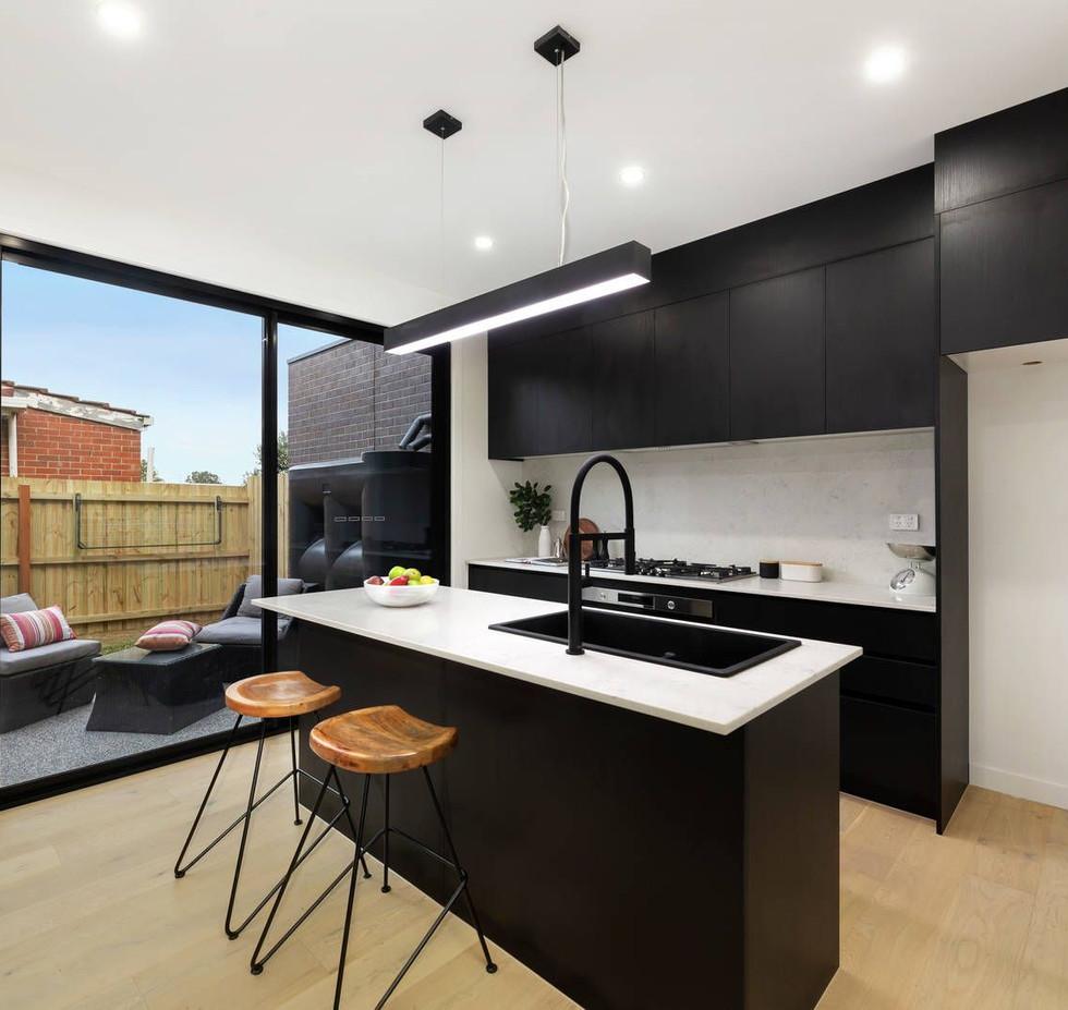 Builder in Essendon