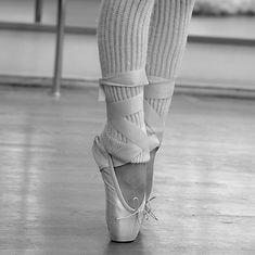 Gel-toe-protector-sleeve-metatarsal-heel