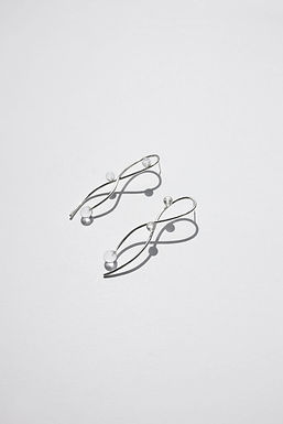 RIBBON SMALL SPHERE EARRINGS