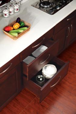 Espresso-Shaker- drawer