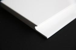 Laquer White -edge