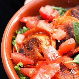 Italiaans tapas bordje met Sweet&Spicy dumplings.