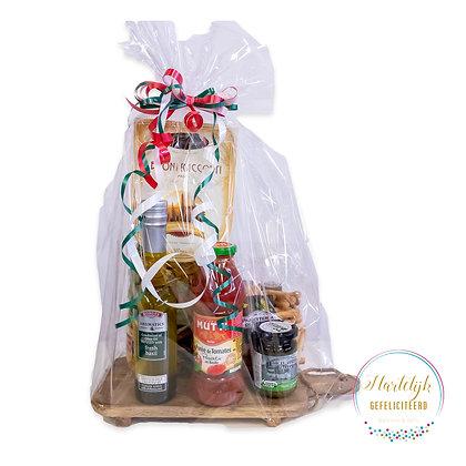 Cadeaumand: plankje met Italiaanse specialiteiten