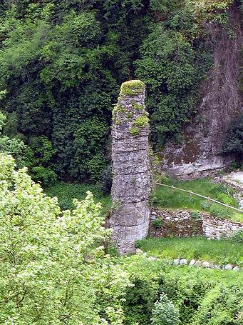 Rocher-de-la-Sorciere-3.jpg