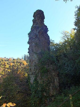 Rocher-de-la-Sorciere-1.jpg