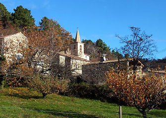 Eglise-Village-1.jpg