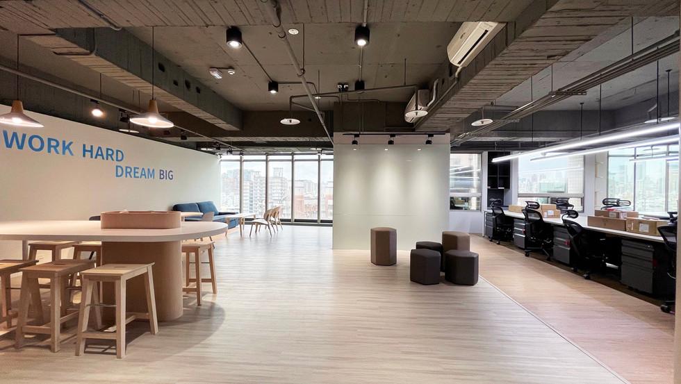 舞夏設計-台中辦公室設計-室內設計-空間設計-緯雲科技 (8).jpg