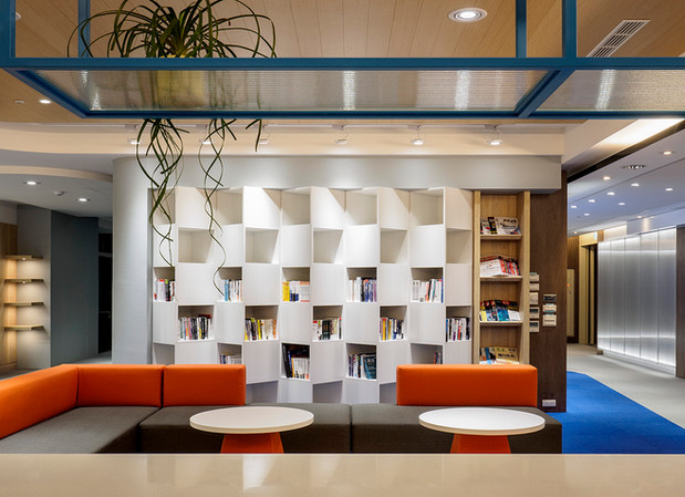 舞夏設計-七期辦公室-親家市政-軟體開發室內設計-吧台空間-創意討論區 (4).