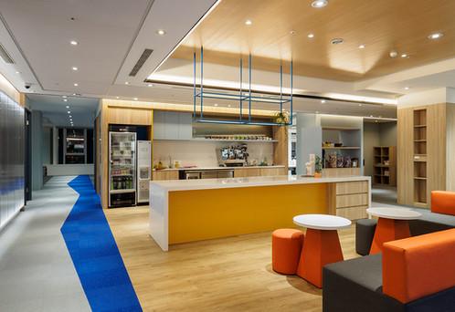 舞夏設計-七期辦公室-親家市政-軟體開發室內設計-吧台空間-創意討論區 (6).