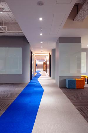 舞夏設計-七期辦公室-親家市政-軟體開發室內設計-吧台空間-創意討論區 (9).