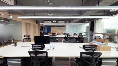 舞夏設計-台中辦公室設計-室內設計-空間設計-緯雲科技 (10).jpg