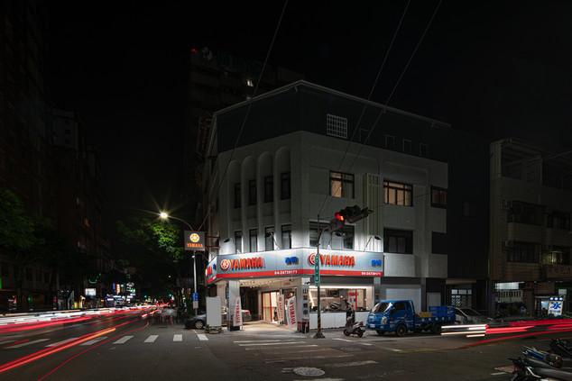 舞夏設計-吉翔機車行-室內設計-商業空間-YAMAHA經銷商 (4).jpg