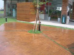瑞士實業- 彩色壓花地坪, 場鑄植草磚, GRC假山水, 紙模地坪, GRC製品