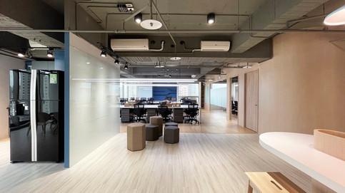 舞夏設計-台中辦公室設計-室內設計-空間設計-緯雲科技 (6).jpg