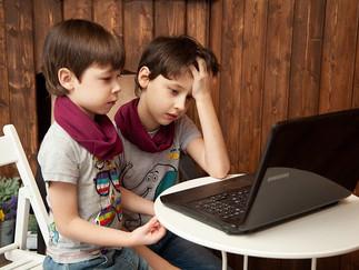 Por que fazer aulas online para crianças pequenas?