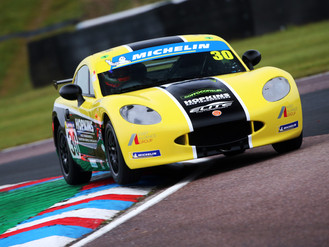 Will Jenkins Starts Ginetta Season With Battling Thruxton Performance