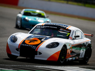 Johnson Rewards Heroic Team Effort With Silverstone Points