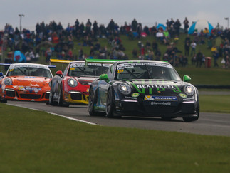 Oliphant Fights At The Front With Snetterton Top Six Double