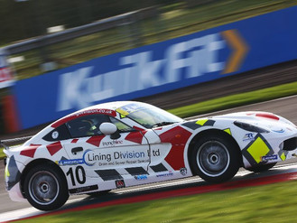 Will Martin Shows Leading Pace Amidst Challenging Knockhill Weekend