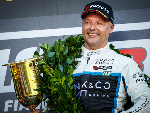 Andy Priaulx Takes Maiden WTCR Win In Macau