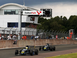 Phinsys By Argenti Charge Onto The Podium At Oulton Park