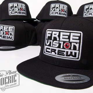 Casquette-snapback-Flexfit-Yupoong-brode