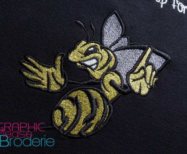 Motif-abeille-gepe-brodee-sur-polo-brode