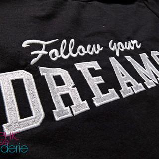 Broderie-sur-sweat---Follow-You-DREAMS--