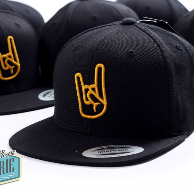 Casquette-snapback-Yupoong-broderie-3D-0