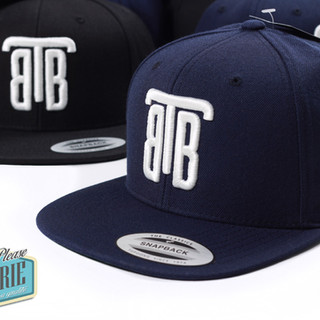 Casquette-snapback-Yupoong-brodée-3D-01.