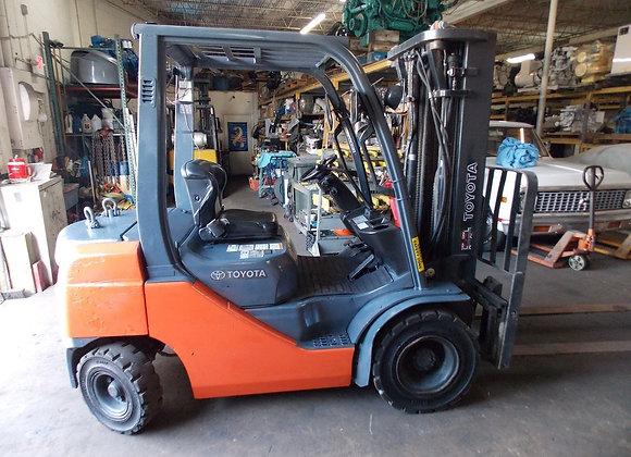 2010 Toyota 8FDU25 5,000 lbs/ Fork Industrial Forklift