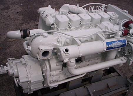 Cummins 6BTA Marine propulsion 330 HP diesel/transmission