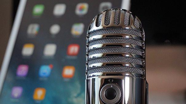 le podcast, le podcasting. Ecouter un podcast, faire un podcast, gagner de l'argent avec son podcast.