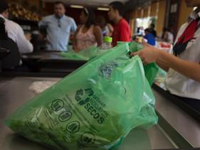 Brasília aprova projeto de lei que proíbe a venda e distribuição de sacolas plásticas