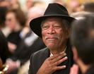Morgan Freeman transformou seu rancho de 50 hectares em um santuário de abelhas